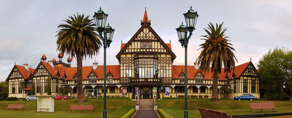 Image via https://en.wikipedia.org/wiki/Government_Gardens#/media/File:Rotorua_museum.jpg
